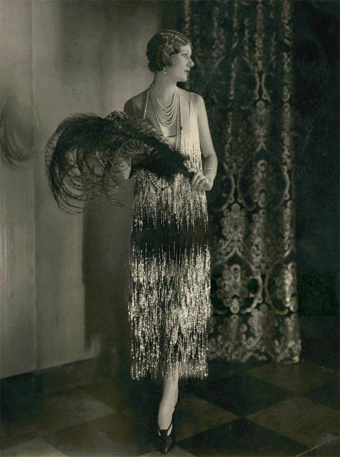 western-modern-fashion-1920s-women-dress-clothing-style (10)