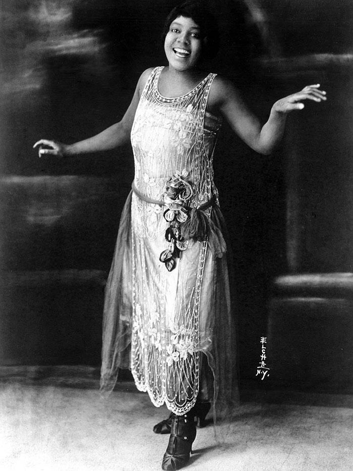 western-modern-fashion-1920s-women-dress-clothing-style (3)