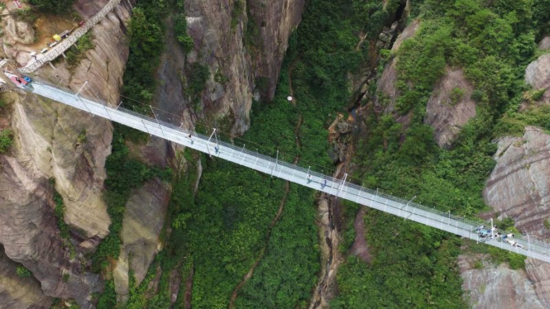 worlds-longest-glass-walkway-bridge-china (5)