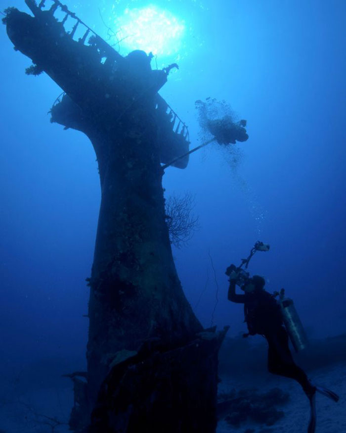 ww2-underwater-plane-graveyard-photographs (4)