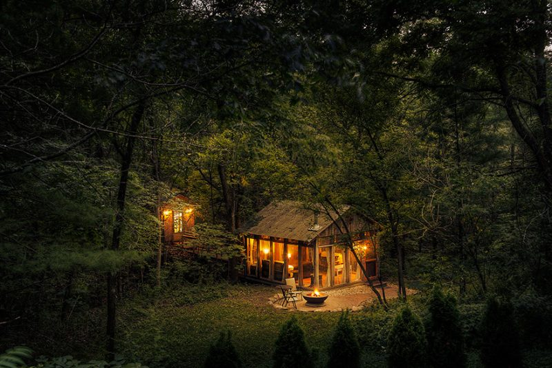 beautiful-cozy-cabins-in-the-woods (9)
