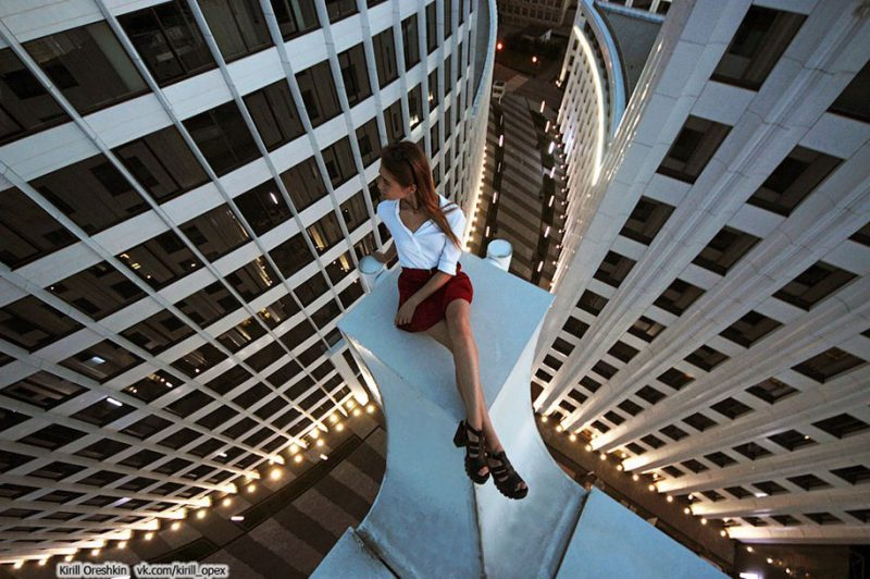 crazy-dangerous-selfies-russia-girl-edge-skyscrapes (15)