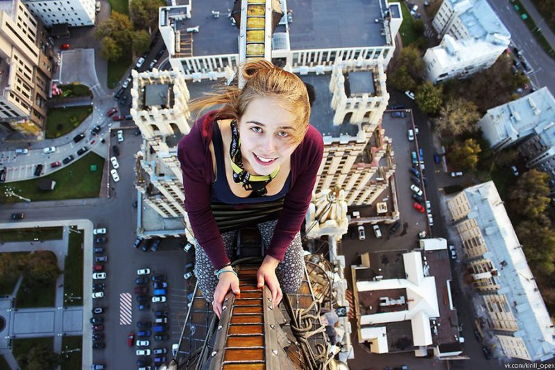 crazy-dangerous-selfies-russia-girl-edge-skyscrapes (17)
