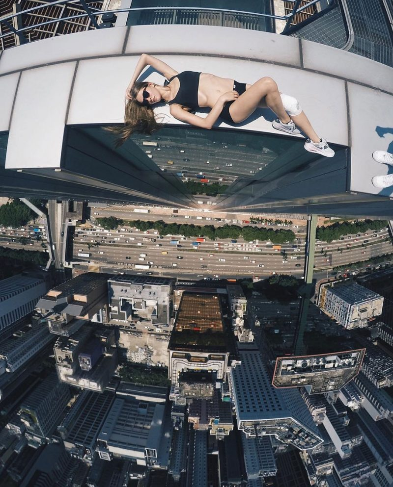 crazy-dangerous-selfies-russia-girl-edge-skyscrapes (4)