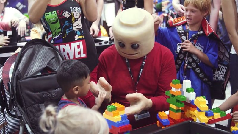 weird-bizarre-creepy-human-lego-cosplay (1)