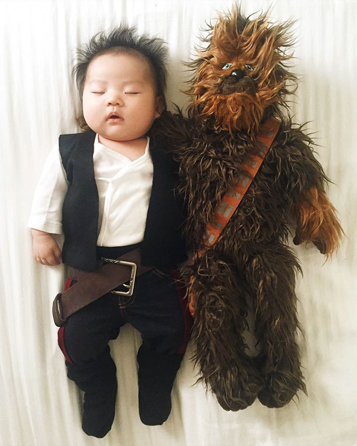adorable-sleeping-baby-cosplay-photographs-8