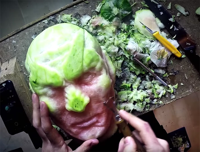 amazing-carving-art-creepy-game-of-thrones-watermelon-night-king-white-walker (1)