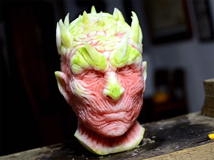 amazing-carving-art-creepy-game-of-thrones-watermelon-night-king-white-walker (5)