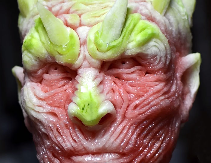 amazing-carving-art-creepy-game-of-thrones-watermelon-night-king-white-walker (6)