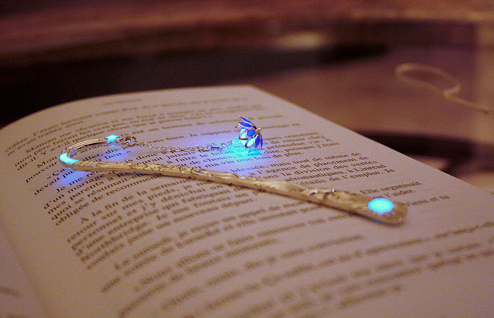 beautiful-bookmarks-glow-in-the-dark-10