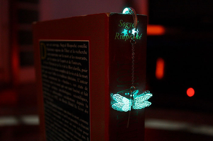 beautiful-bookmarks-glow-in-the-dark-13