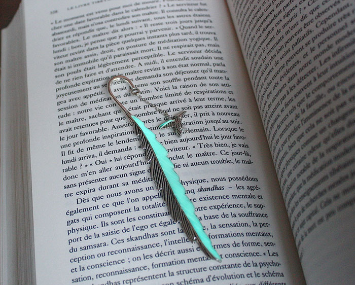 beautiful-bookmarks-glow-in-the-dark-15