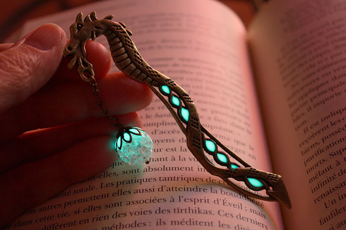 beautiful-bookmarks-glow-in-the-dark-4