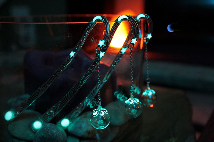 beautiful-bookmarks-glow-in-the-dark-7