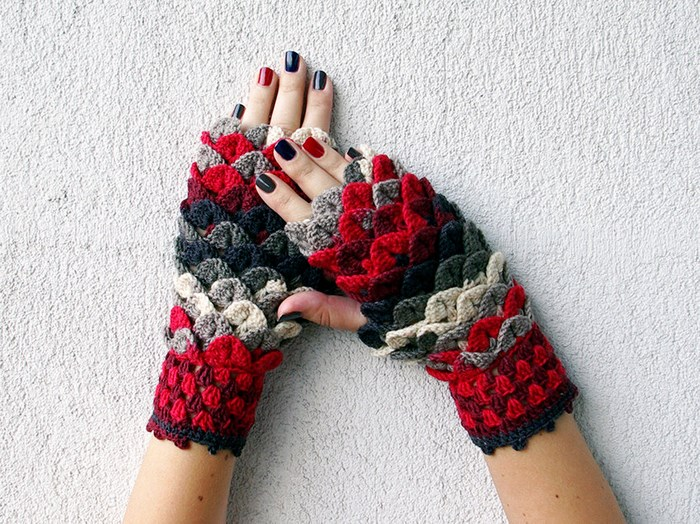 beautiful-crochet-dragon-wool-gloves-5