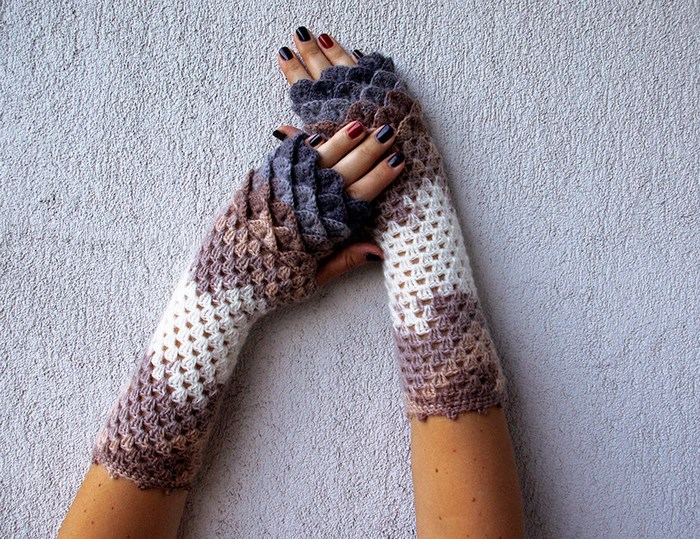 beautiful-crochet-dragon-wool-gloves-6