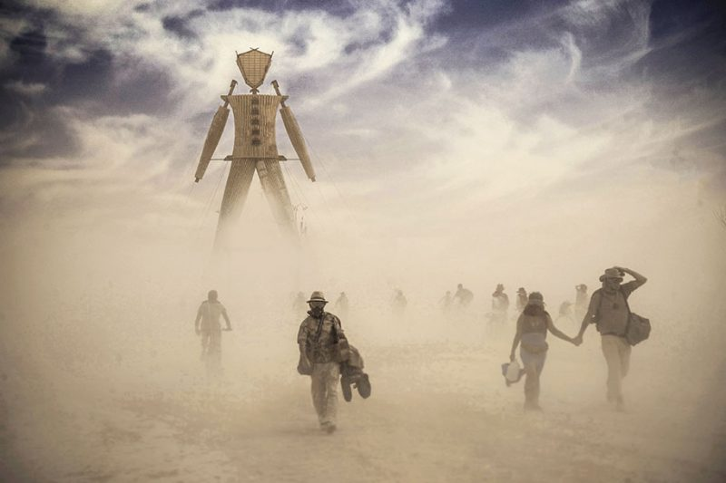 burning-man-festival-surreal-photos-19