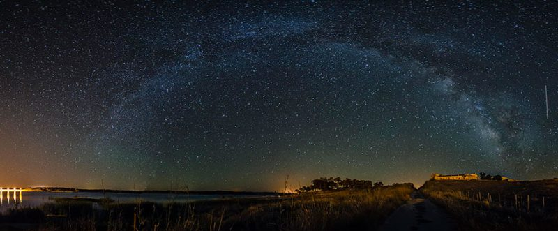 magnificent-photo-portuguese-starry-night-sky-free-of-light-pollution-10