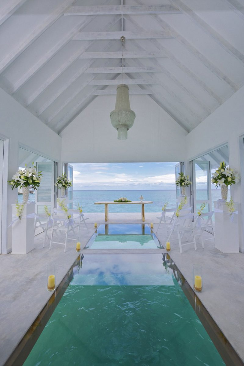 romantic-overwater-wedding-pavilion-maldives (5)