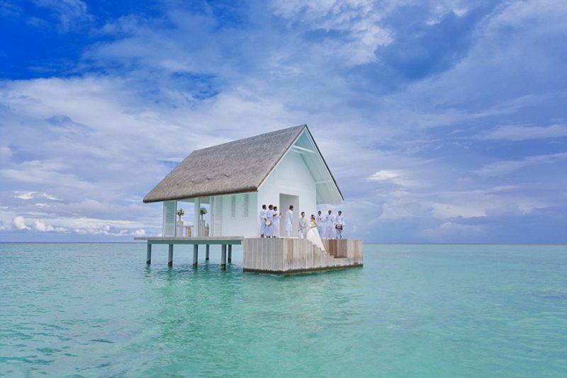 romantic-overwater-wedding-pavilion-maldives (6)