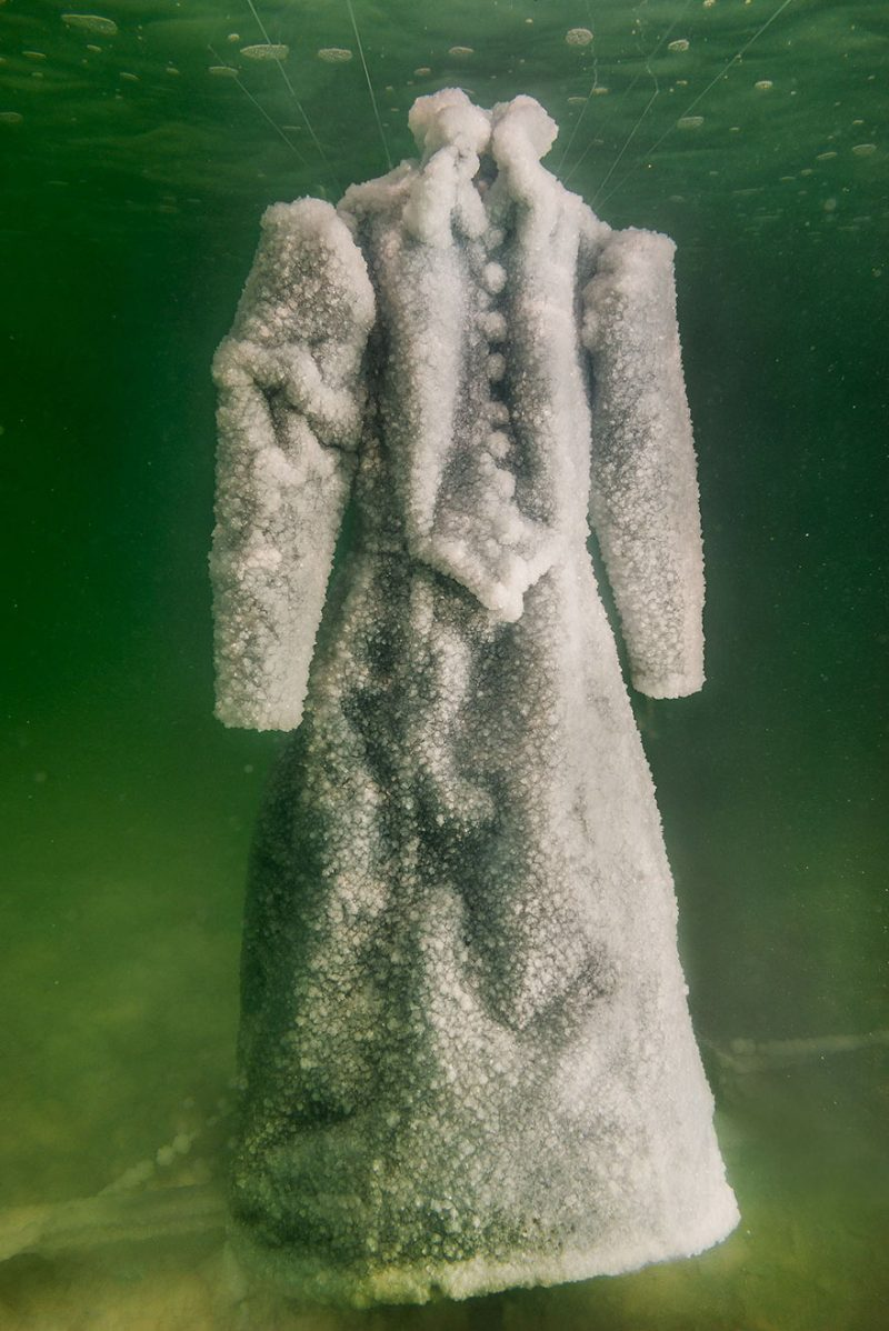 salt-dress-dead-sea-salt-bride-gown-5