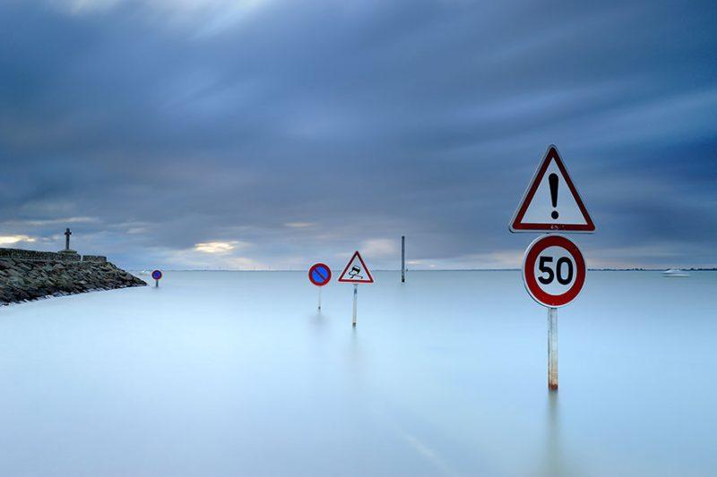 tide-submerge-road-passage-du-gois-france-1