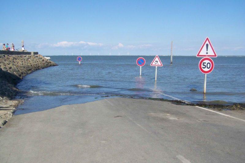 tide-submerge-road-passage-du-gois-france-11