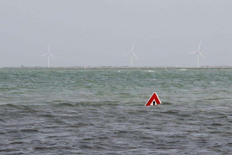 tide-submerge-road-passage-du-gois-france-3