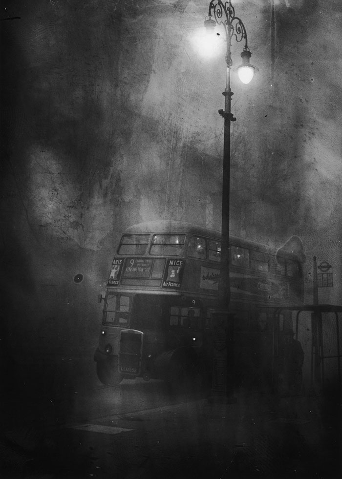 vintage-old-black-white-photographs-120th-century-london-fog-7