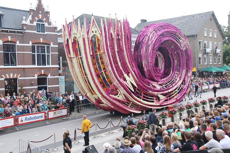 worlds-largest-flower-sculpture-parade-corso-zundert-netherlands-1