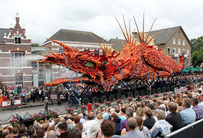 worlds-largest-flower-sculpture-parade-corso-zundert-netherlands-14