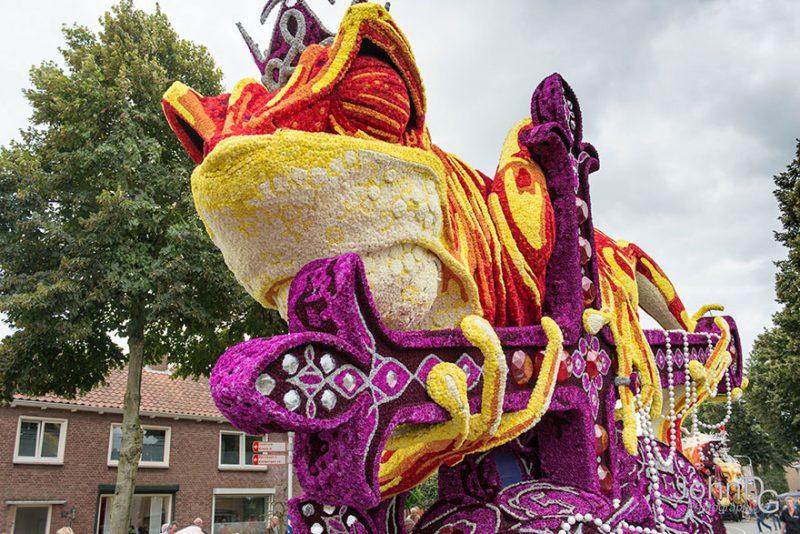 worlds-largest-flower-sculpture-parade-corso-zundert-netherlands-4