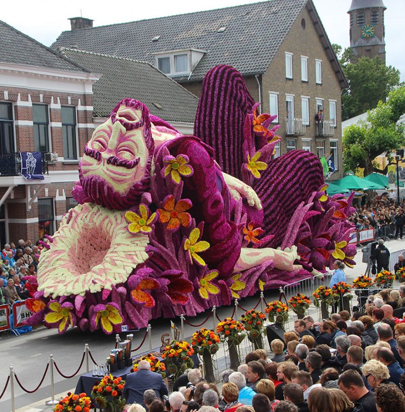 worlds-largest-van-gogh-flower-parade-floats-corso-zundert-netherlands-1