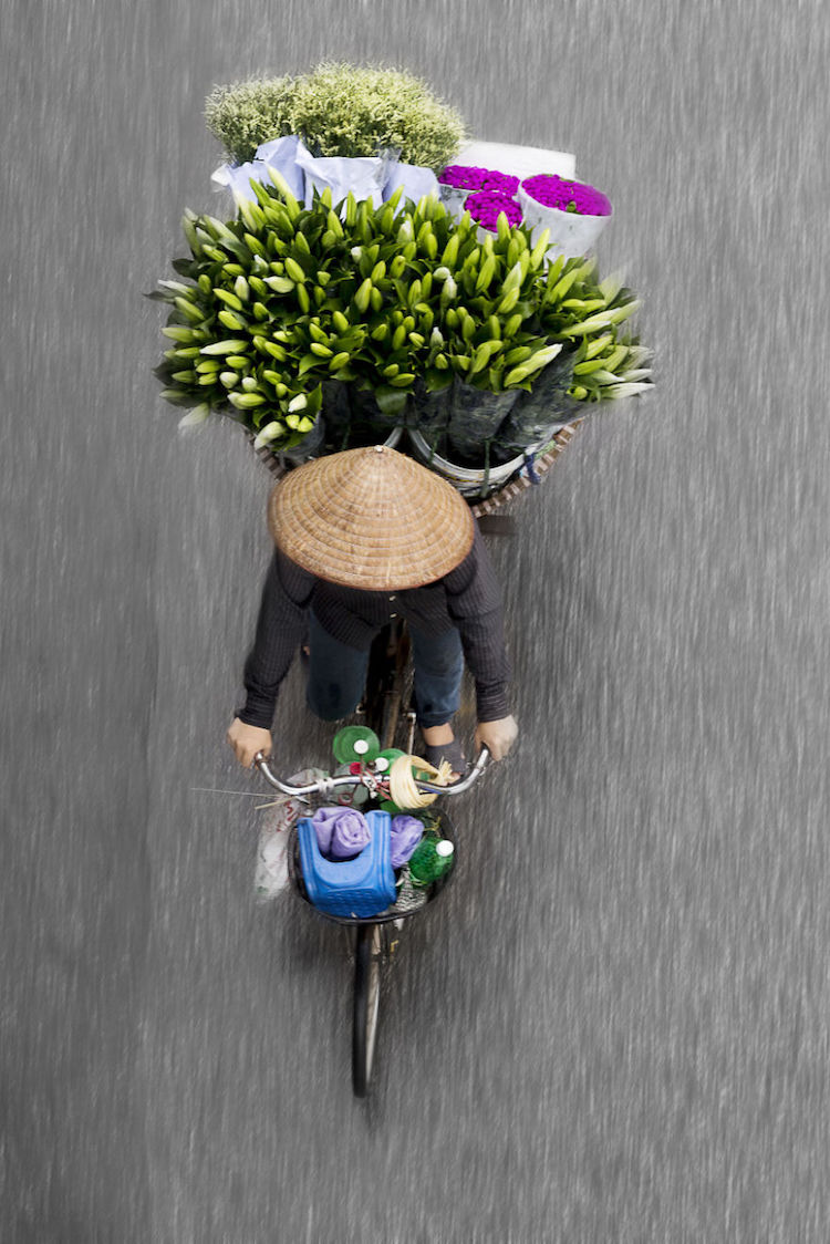 beautiful-photos-vietnam-street-vendors-overhead-6