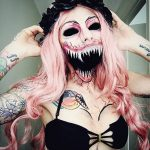 Greatly creepy makeup skills for the coming Halloween