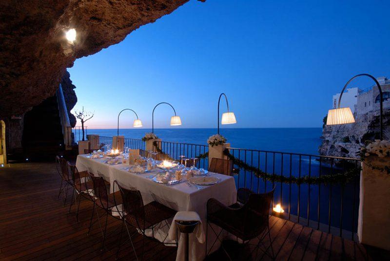 romantic-italian-cave-restaurant-grotta-palazzese-polignano-mare-5