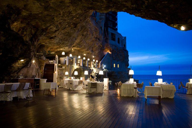 romantic-italian-cave-restaurant-grotta-palazzese-polignano-mare-6