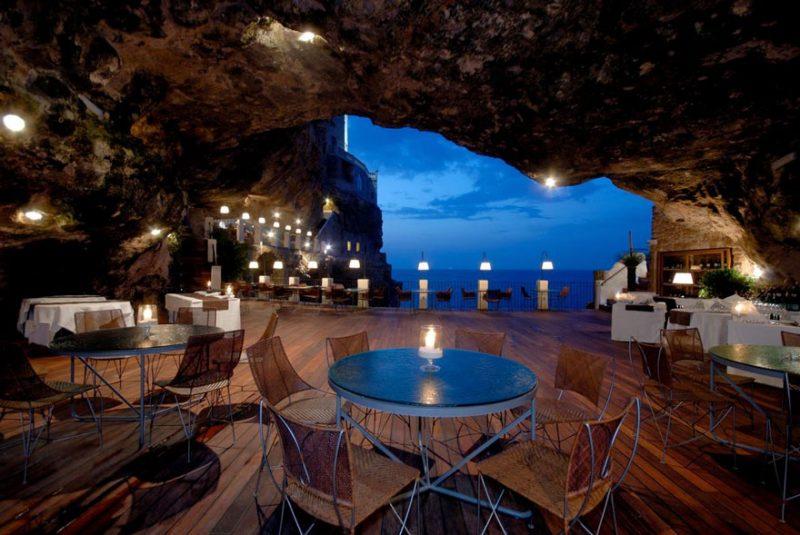 romantic-italian-cave-restaurant-grotta-palazzese-polignano-mare-7