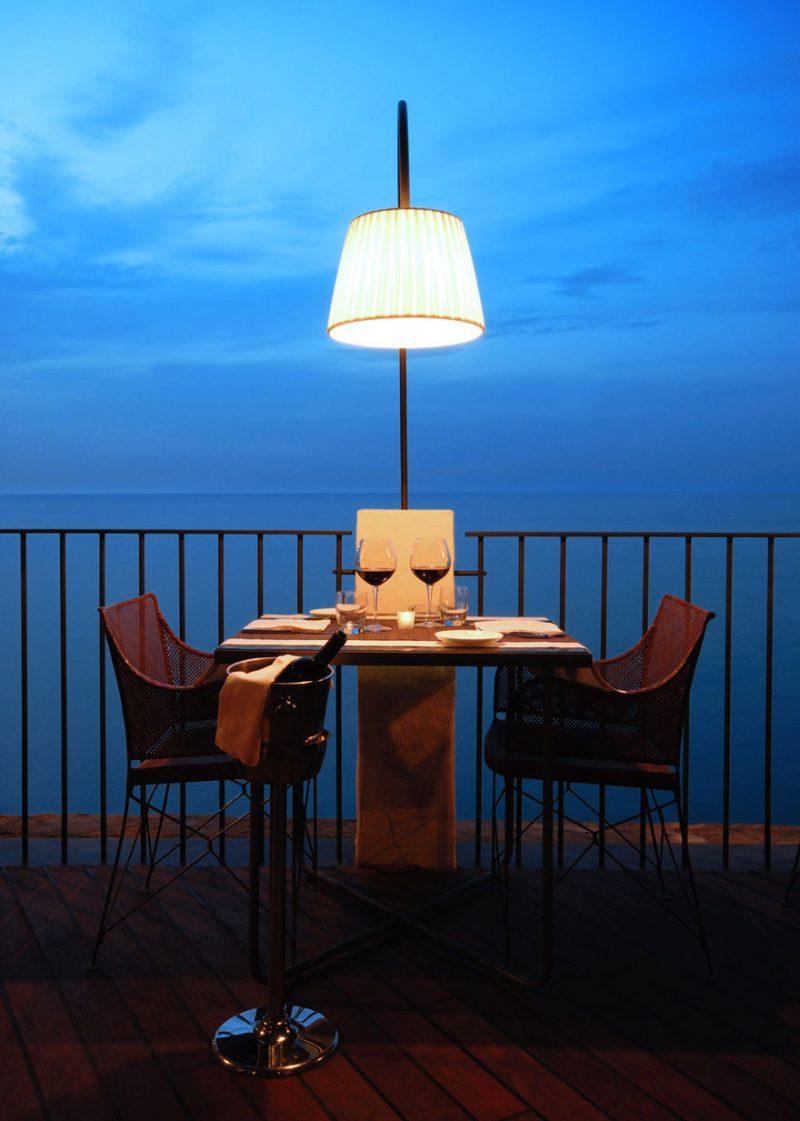 romantic-italian-cave-restaurant-grotta-palazzese-polignano-mare-8