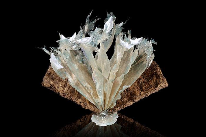 surreal-resin-sculptures-exploding-books-frozen-liquid-2