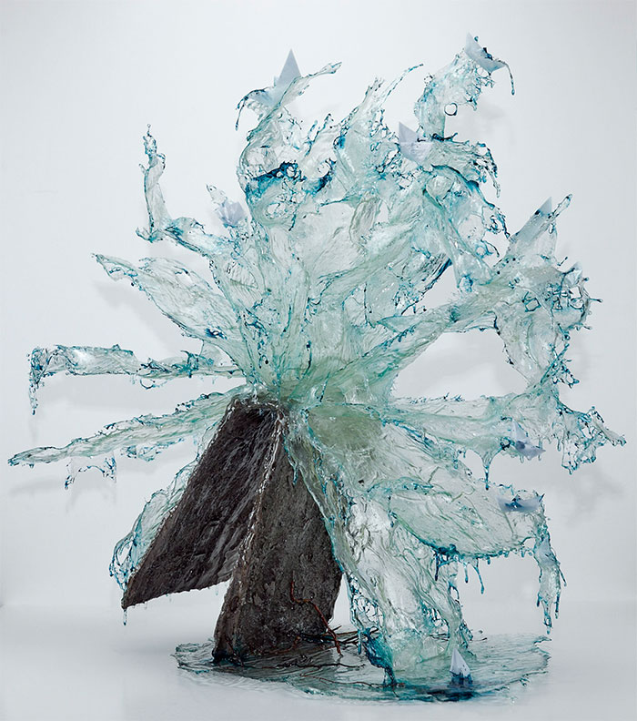 surreal-resin-sculptures-exploding-books-frozen-liquid-8