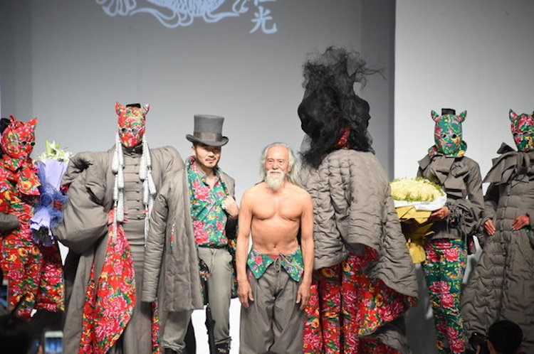 old man model chinese grandpa runway debut