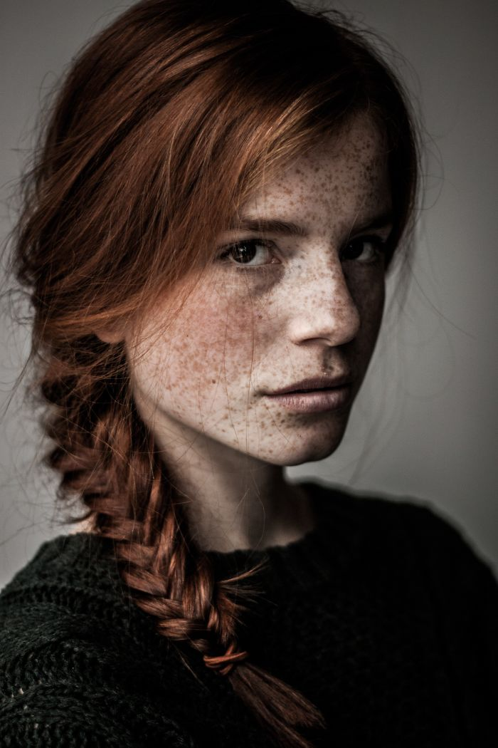 beautiful-portrait-photography-freckles-red-hair-beauty-1