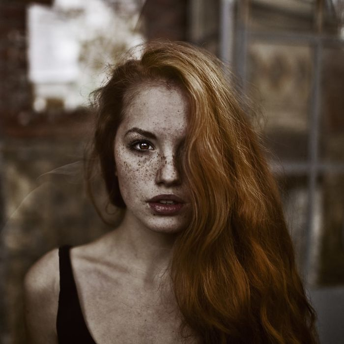 beautiful-portrait-photography-freckles-red-hair-beauty-4