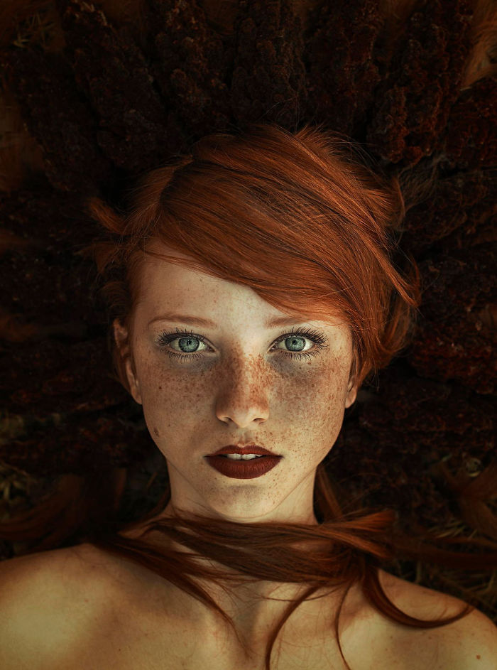 beautiful-portrait-photography-freckles-red-hair-beauty-7
