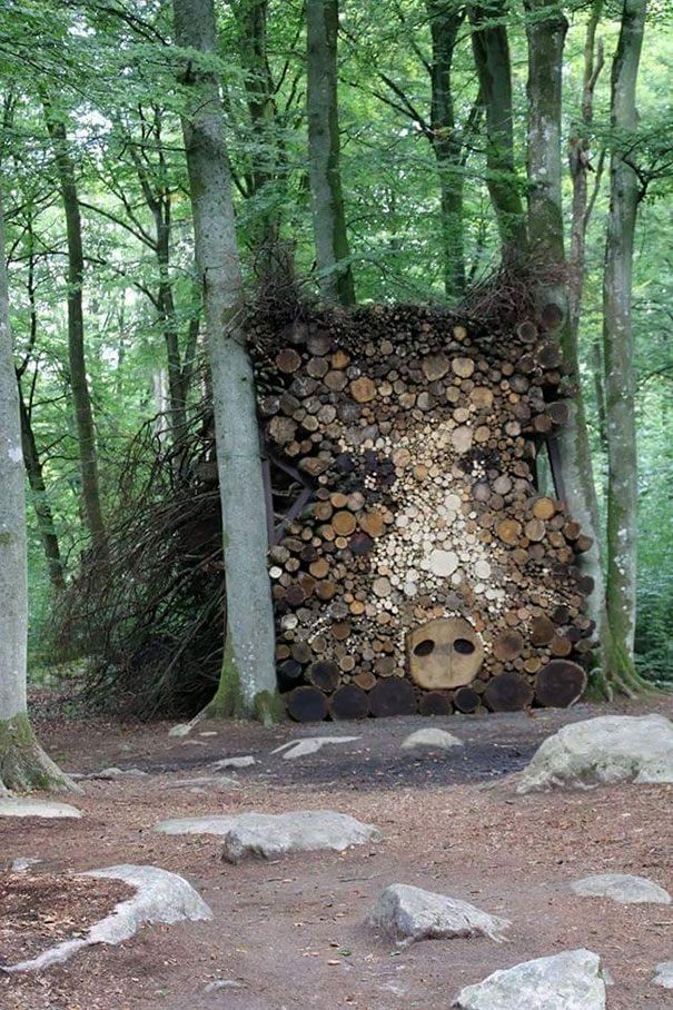 beautiful-wood-pile-stacking-creative-art-1