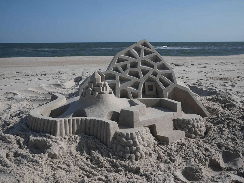 brutalist-sandcastles-cool-sand-sculptures-art-18