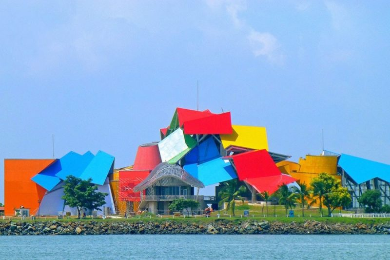 most-amazing-buildings-weird-strange-structures-17