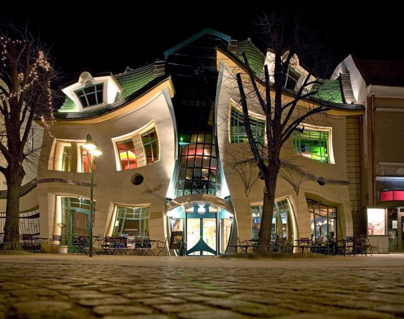 most-amazing-buildings-weird-strange-structures-2
