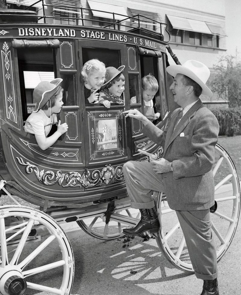 old-photos-retro-disneyland-opening-1955-1